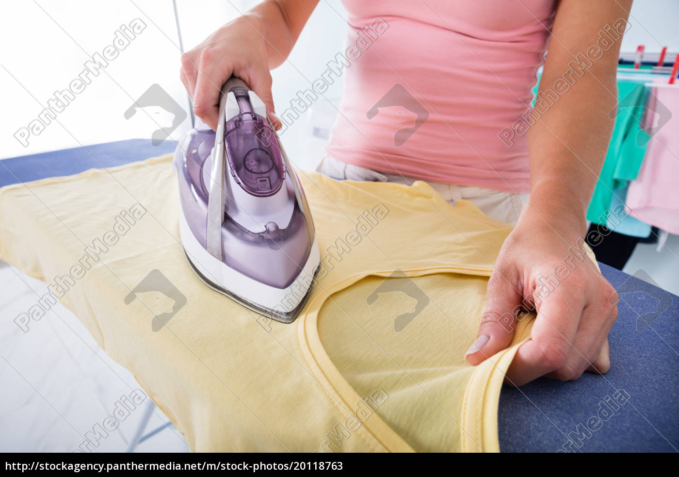 woman, hand, ironing, cloth, on, ironing - 20118763