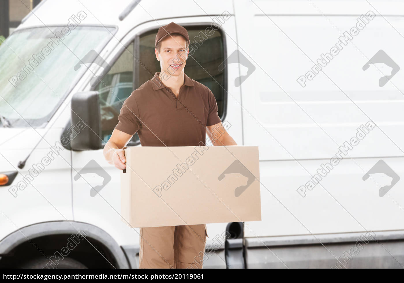 delivery, man, carrying, box - 20119061