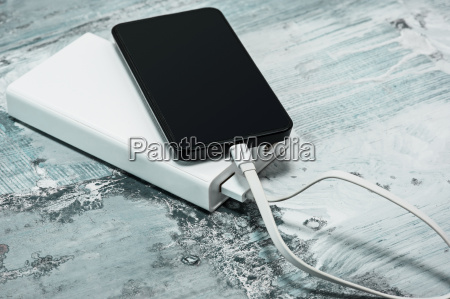 power, bank, and, mobile, phone - 20123045