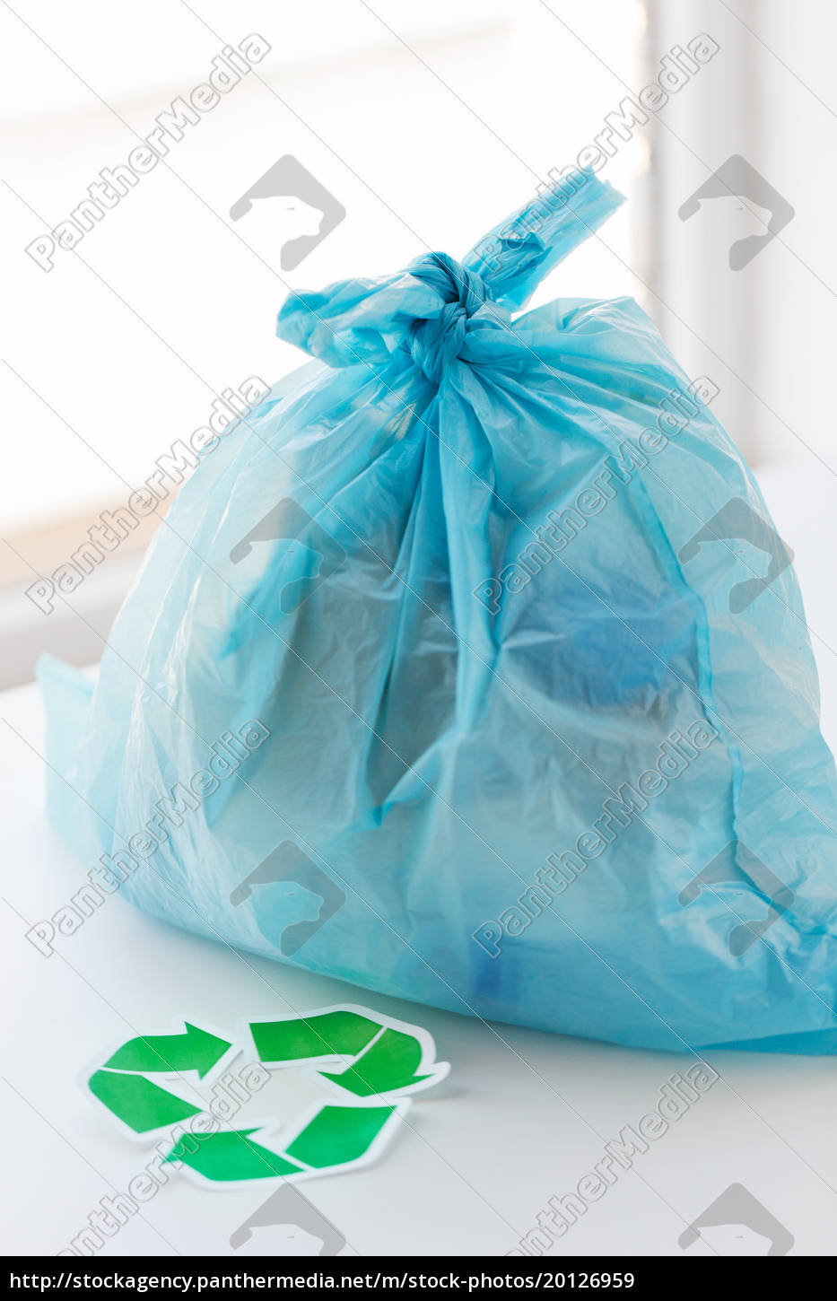 close, up, of, rubbish, bag, with - 20126959