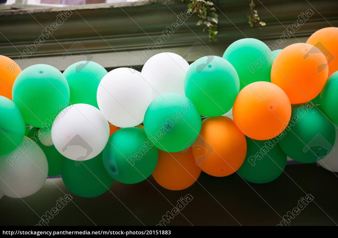 close, up, of, balloons, garland, decoration - 20151883
