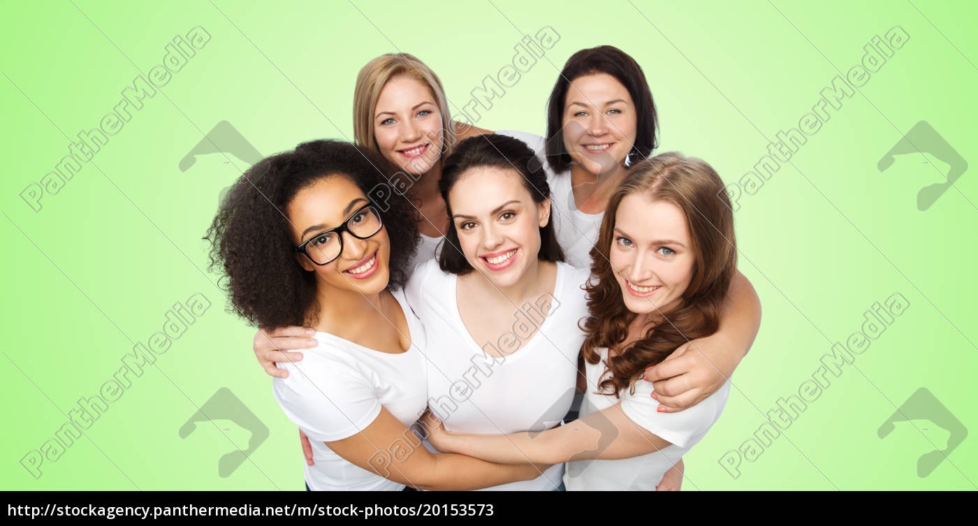 group, of, happy, different, women, in - 20153573