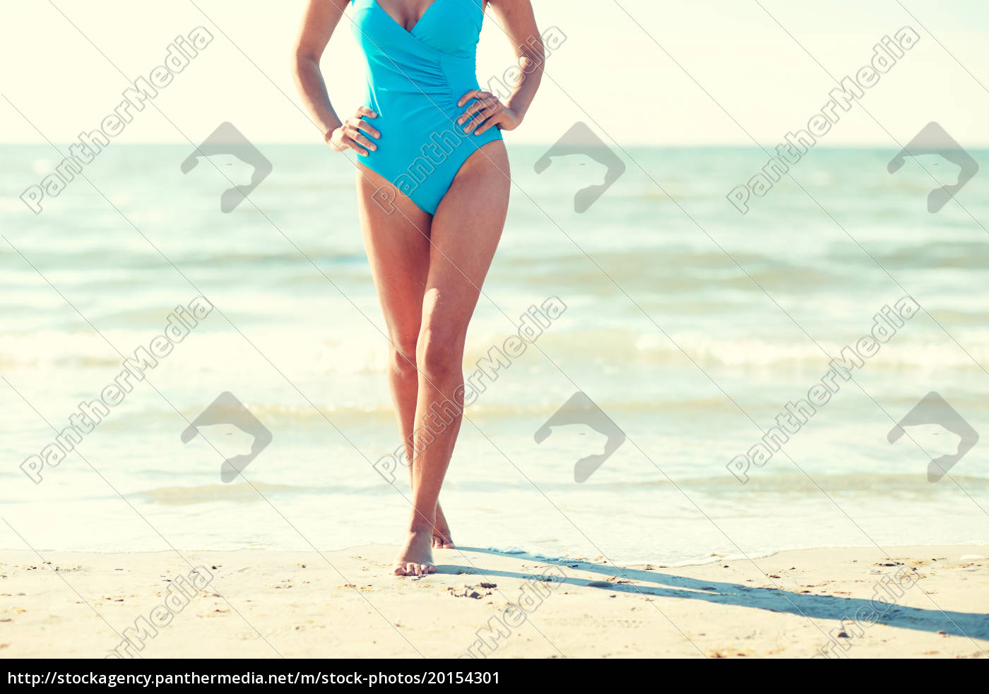 close, up, of, woman, in, swimsuit - 20154301