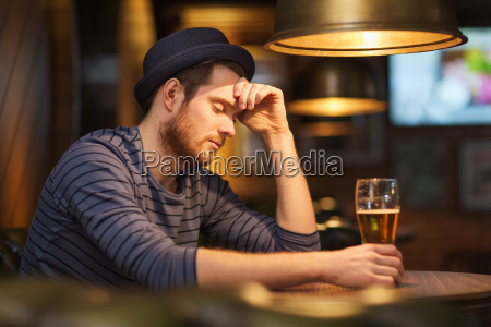 unhappy, lonely, man, drinking, beer, at - 20170809