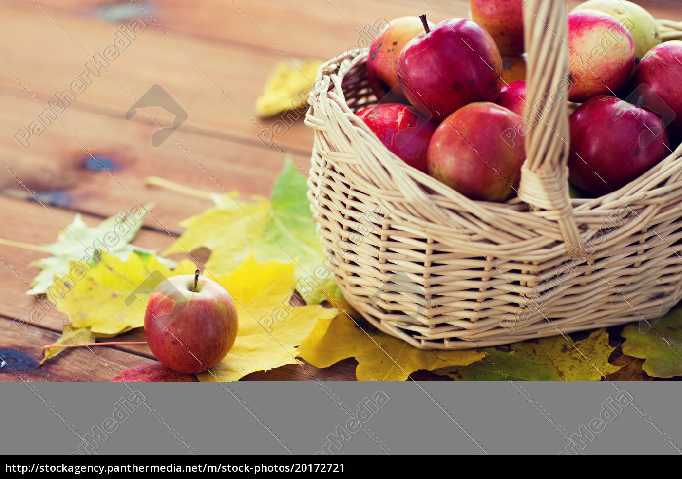 close, up, of, basket, with, apples - 20172721