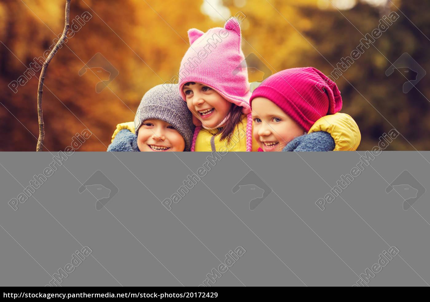 group, of, happy, children, hugging, in - 20172429