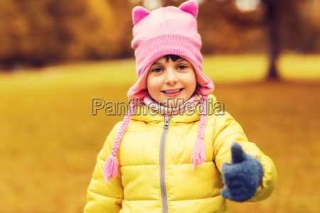 happy, little, girl, showing, thumbs, up - 20172817