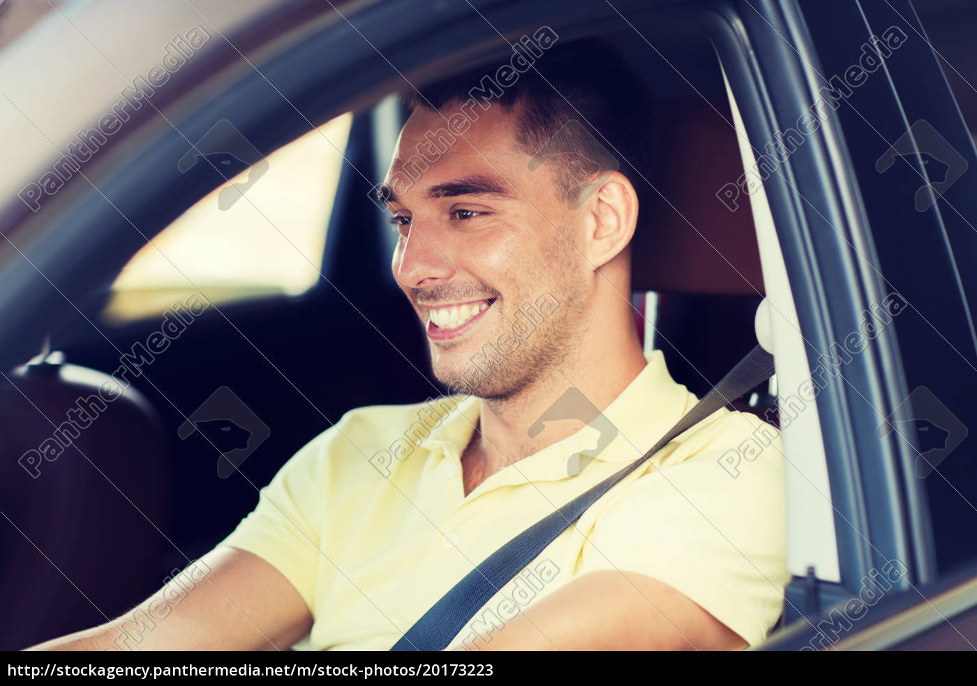 happy, smiling, man, driving, car, outdoors - 20173223