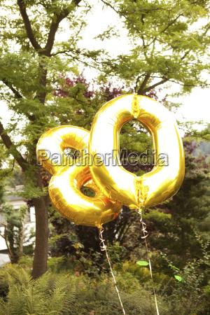 dekoration for 80th birthday in garden