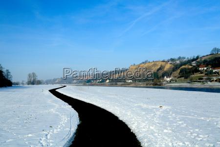 elbe valley in winter elbe radweg