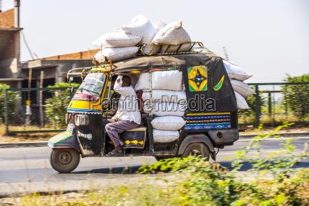 public transport in india crazy road