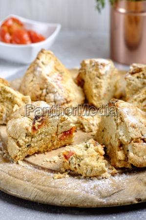 irish tomato thyme soda bread