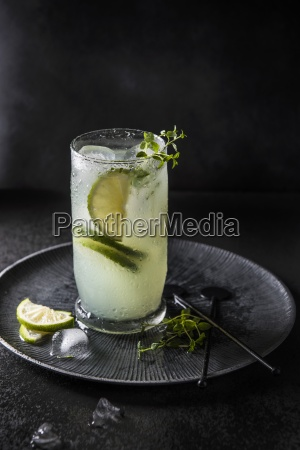 a cocktail made with bitter lemon