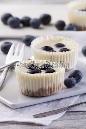 cheesecake muffins with blueberries
