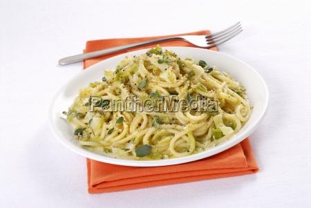 khorasan wheat spaghetti with spring onion