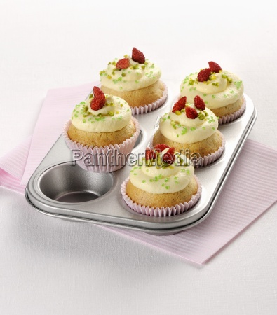 lemon cupcakes with pistachios and wild