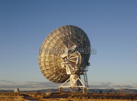 large radio antennas also know as