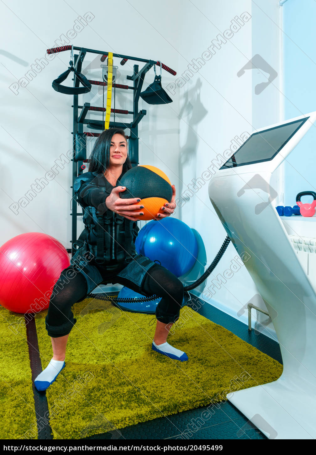 the, female, athlete, doing, they, exercise - 20495499