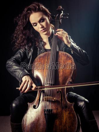 gorgeous, cellist - 20500045