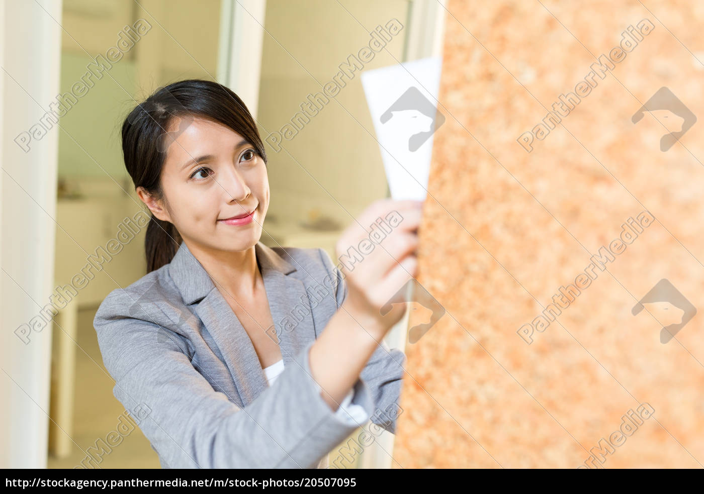 business, woman, post, paper, on, notice - 20507095