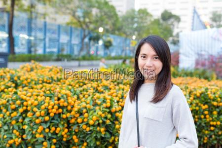 woman, visit, chinese, new, year, market - 20507029