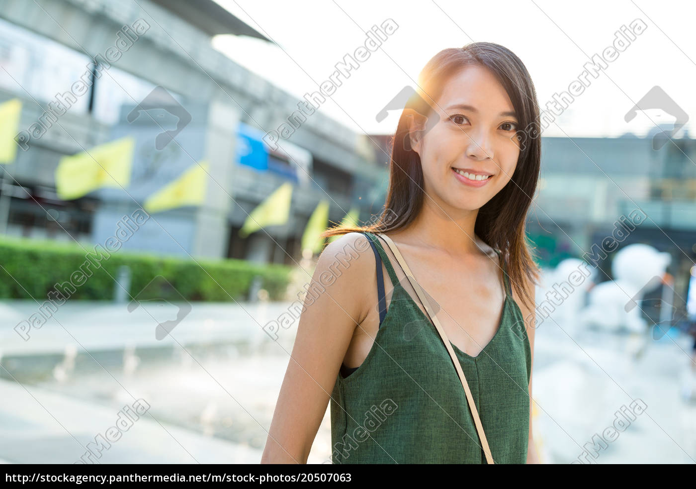 young, woman, at, street, portrait - 20507063
