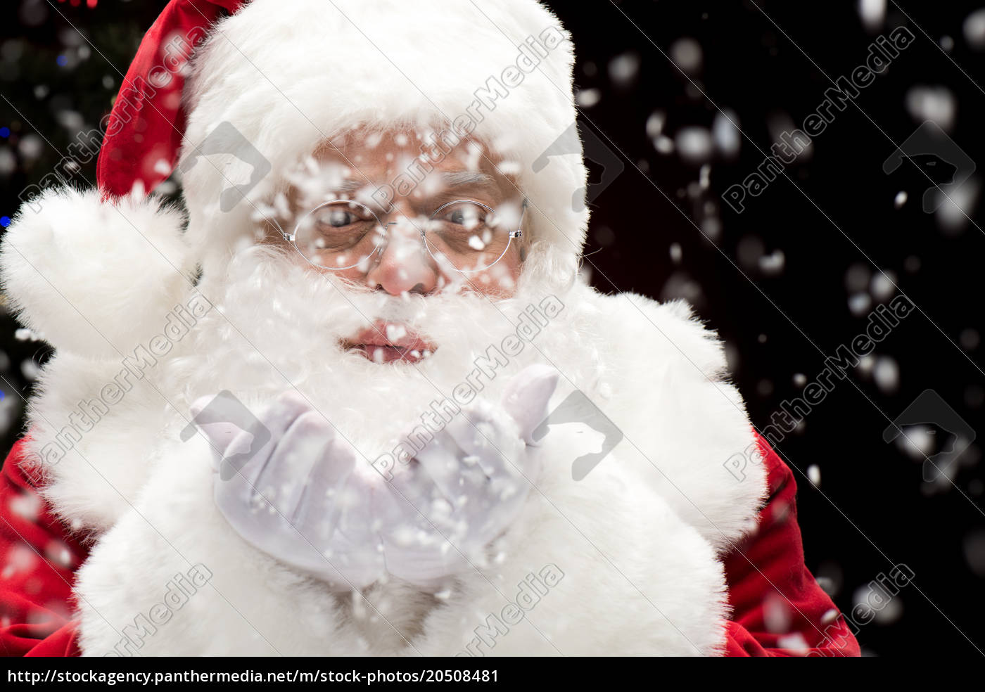 santa, claus, blowing, snowflakes - 20508481