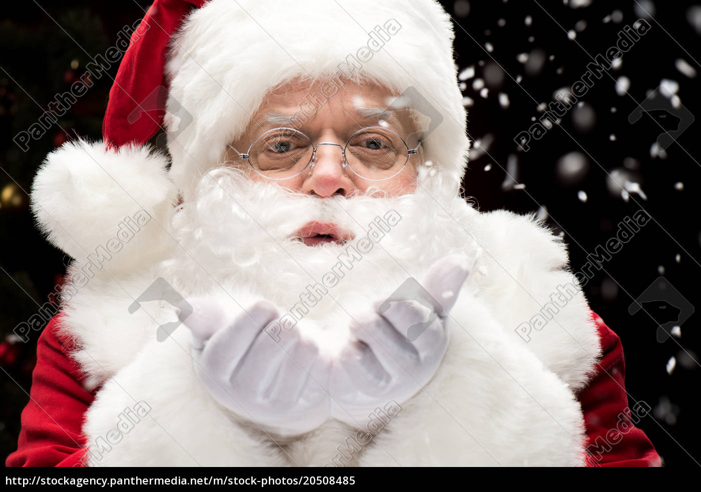 santa, claus, blowing, snowflakes - 20508485