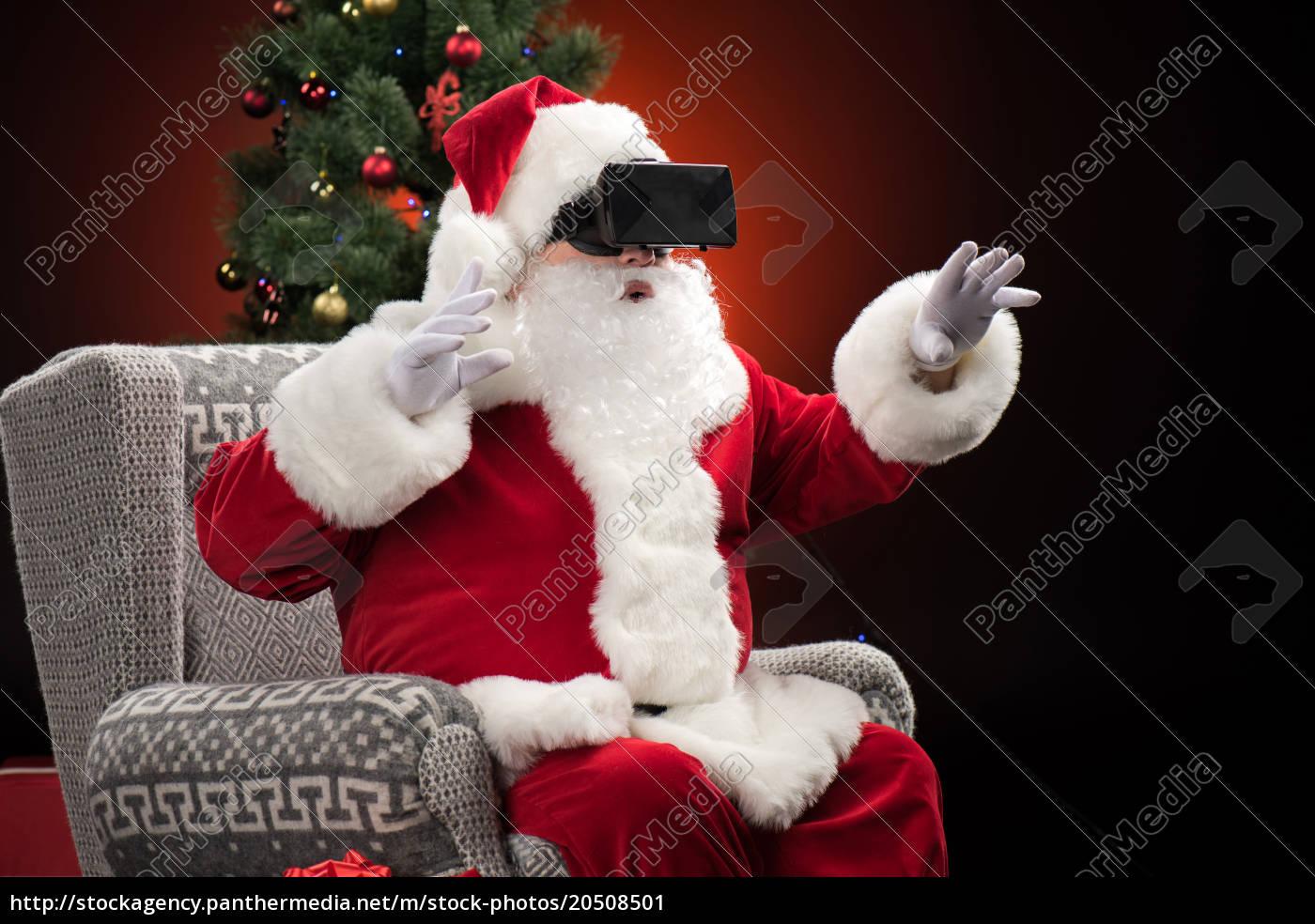 santa, claus, wearing, virtual, reality, headset - 20508501