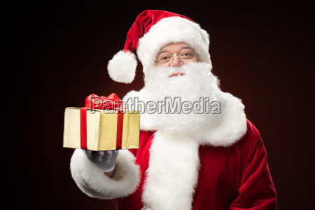 santa, claus, with, gift, box, in - 20508249