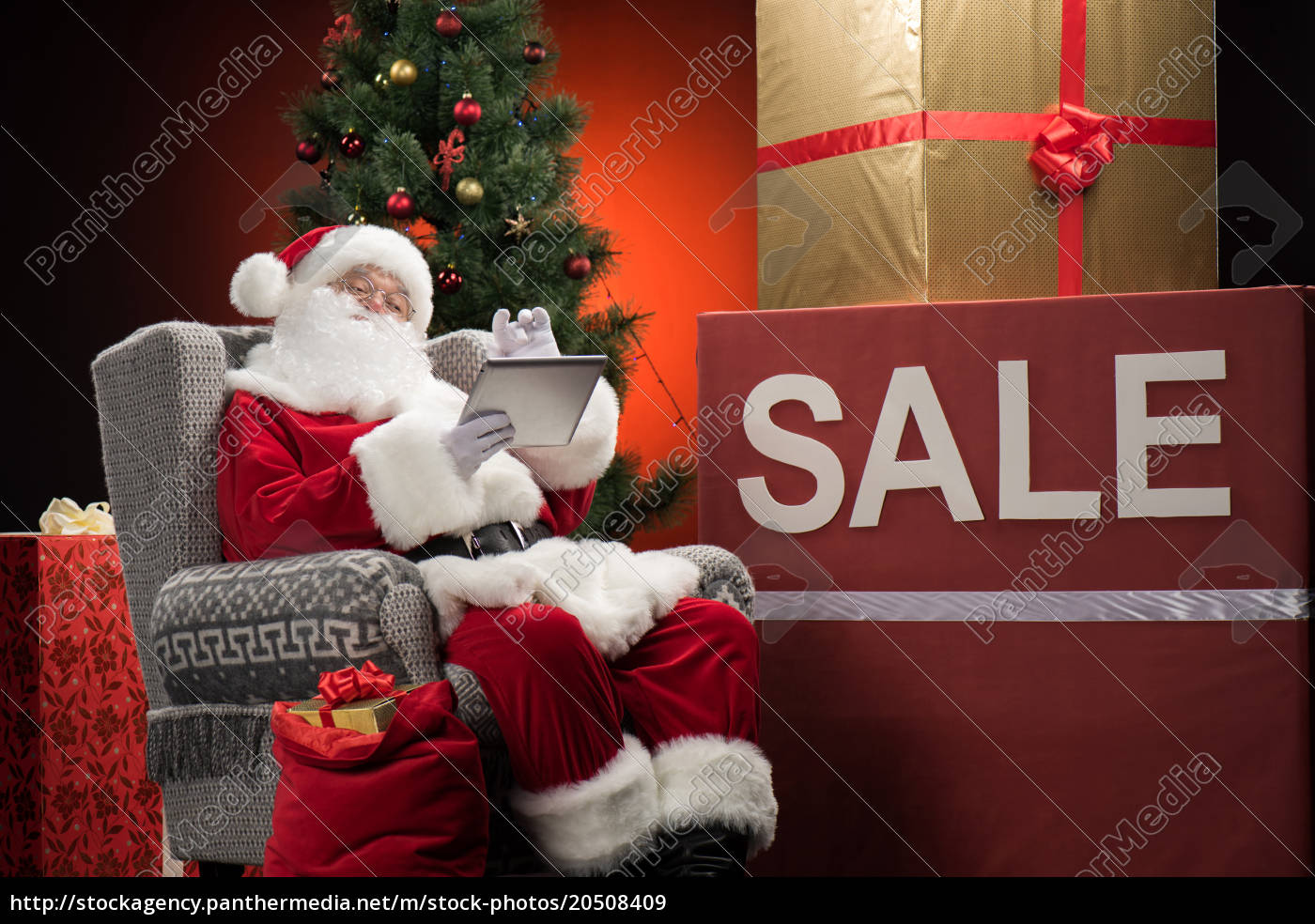 santa, claus, with, sale, sign - 20508409