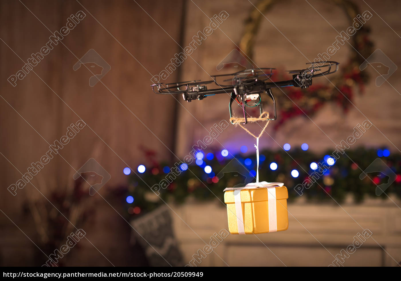 hexacopter, drone, flying, with, gift, box - 20509949