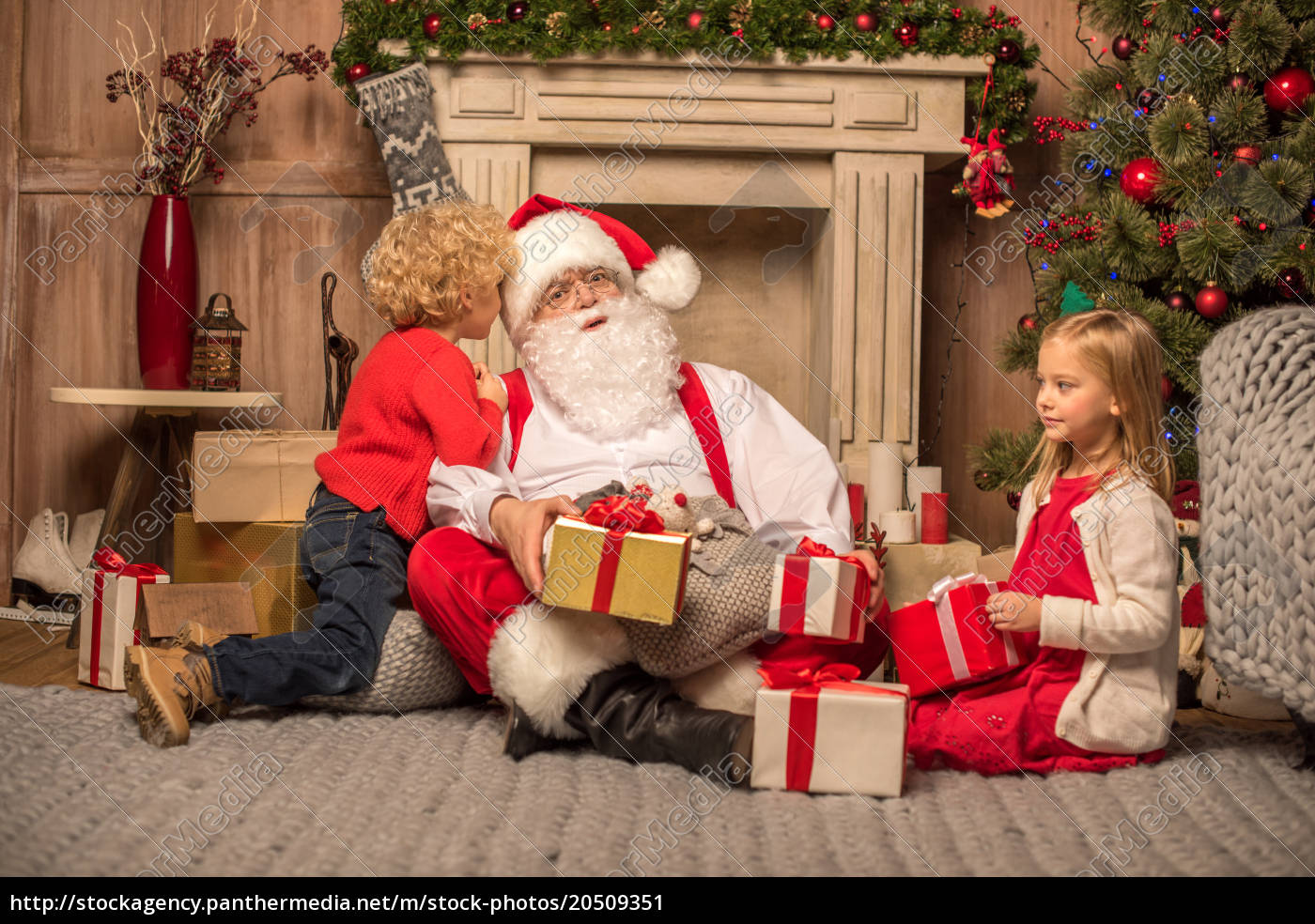 santa, claus, and, children, with, christmas - 20509351