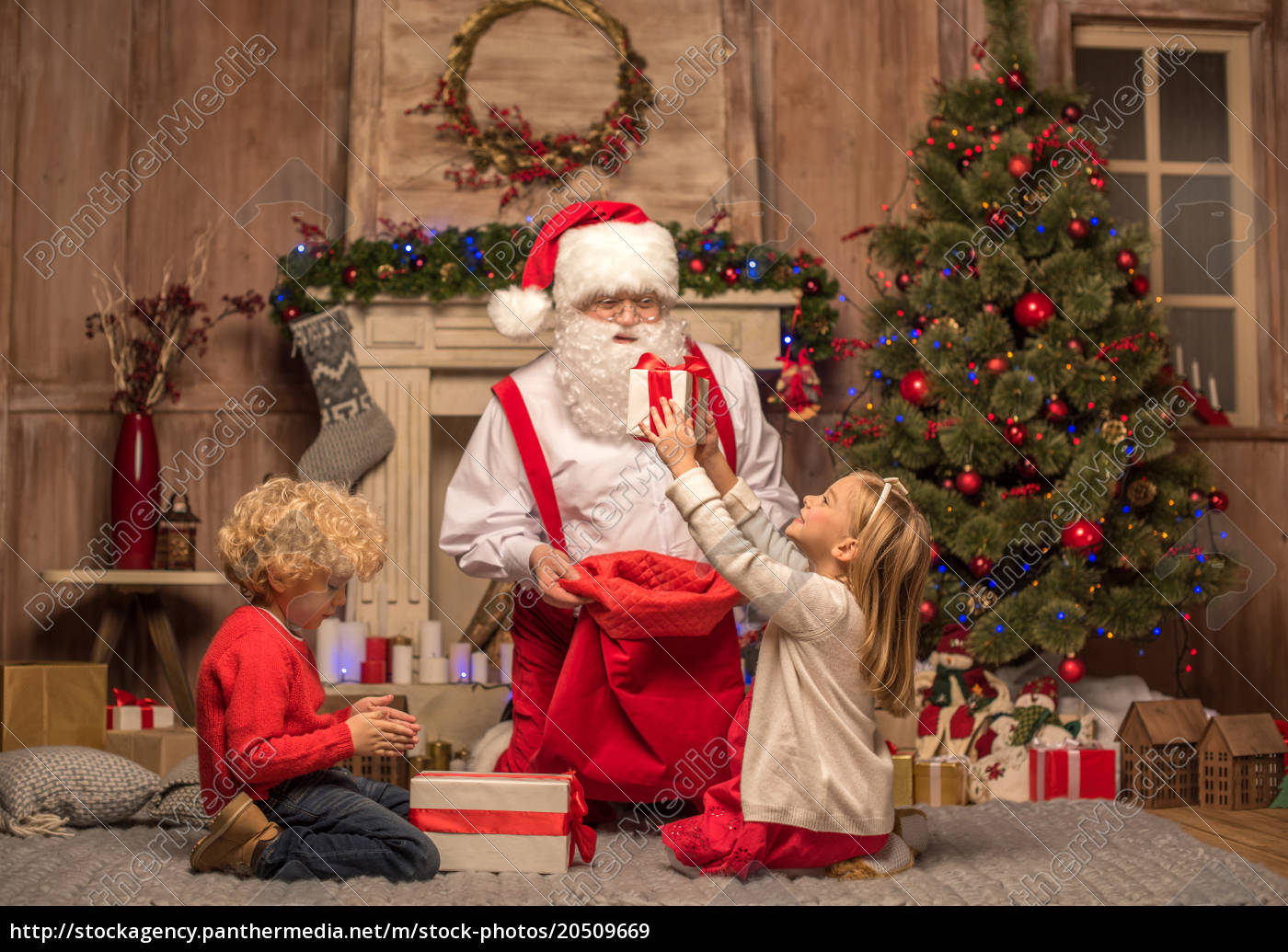 santa, claus, and, children, with, christmas - 20509669