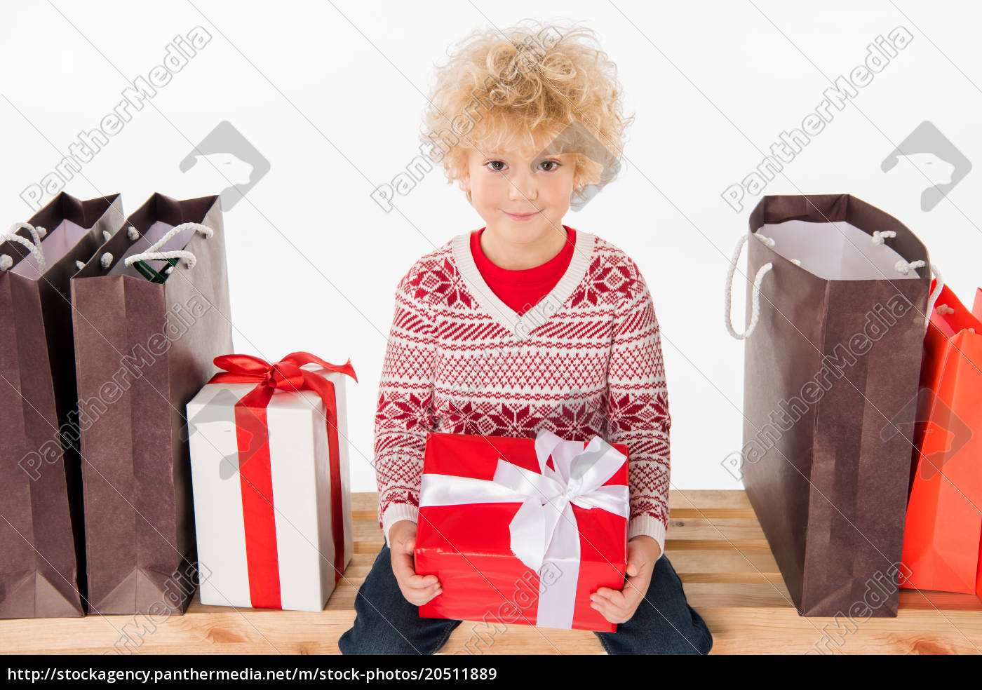 happy, child, holding, gift, box - 20511889