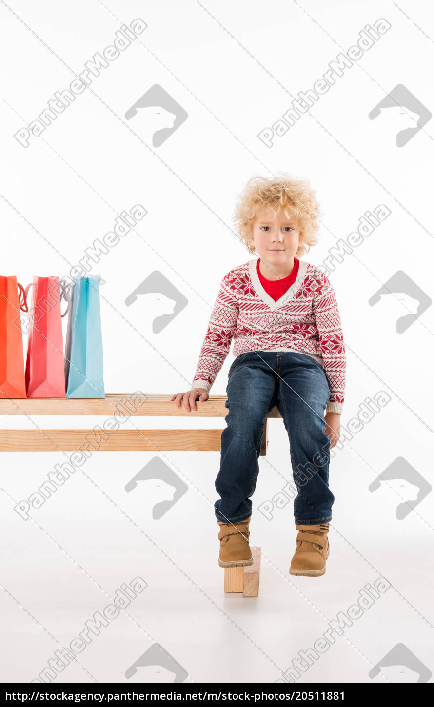 kid, with, shopping, bags - 20511881