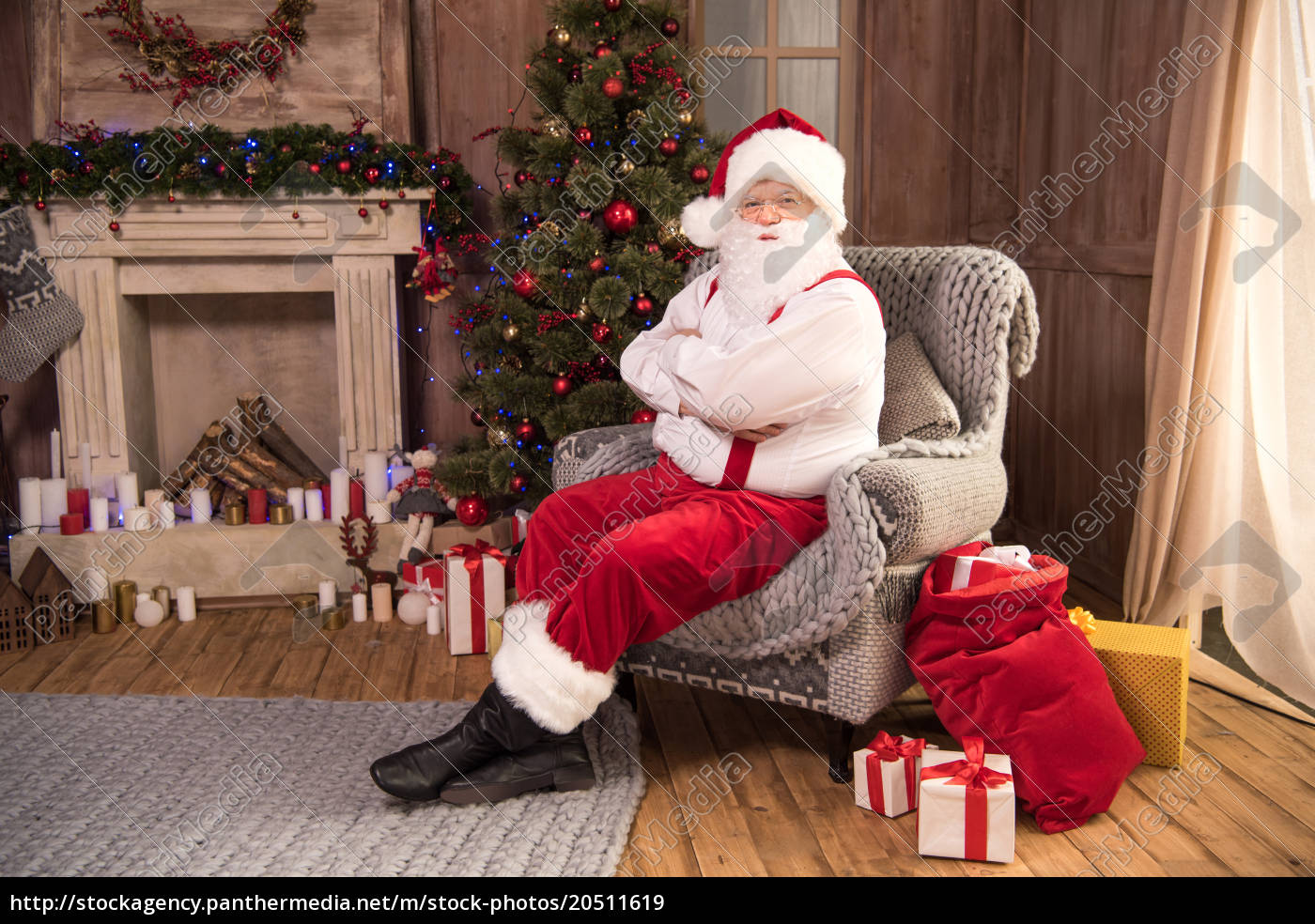 santa, claus, sitting, in, armchair - 20511619