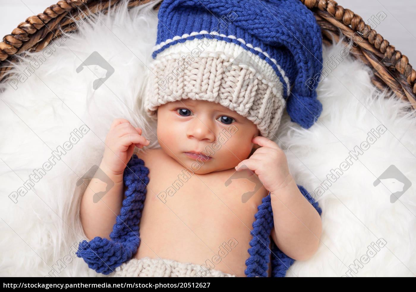 beautiful, newborn, inside, a, basket - 20512627