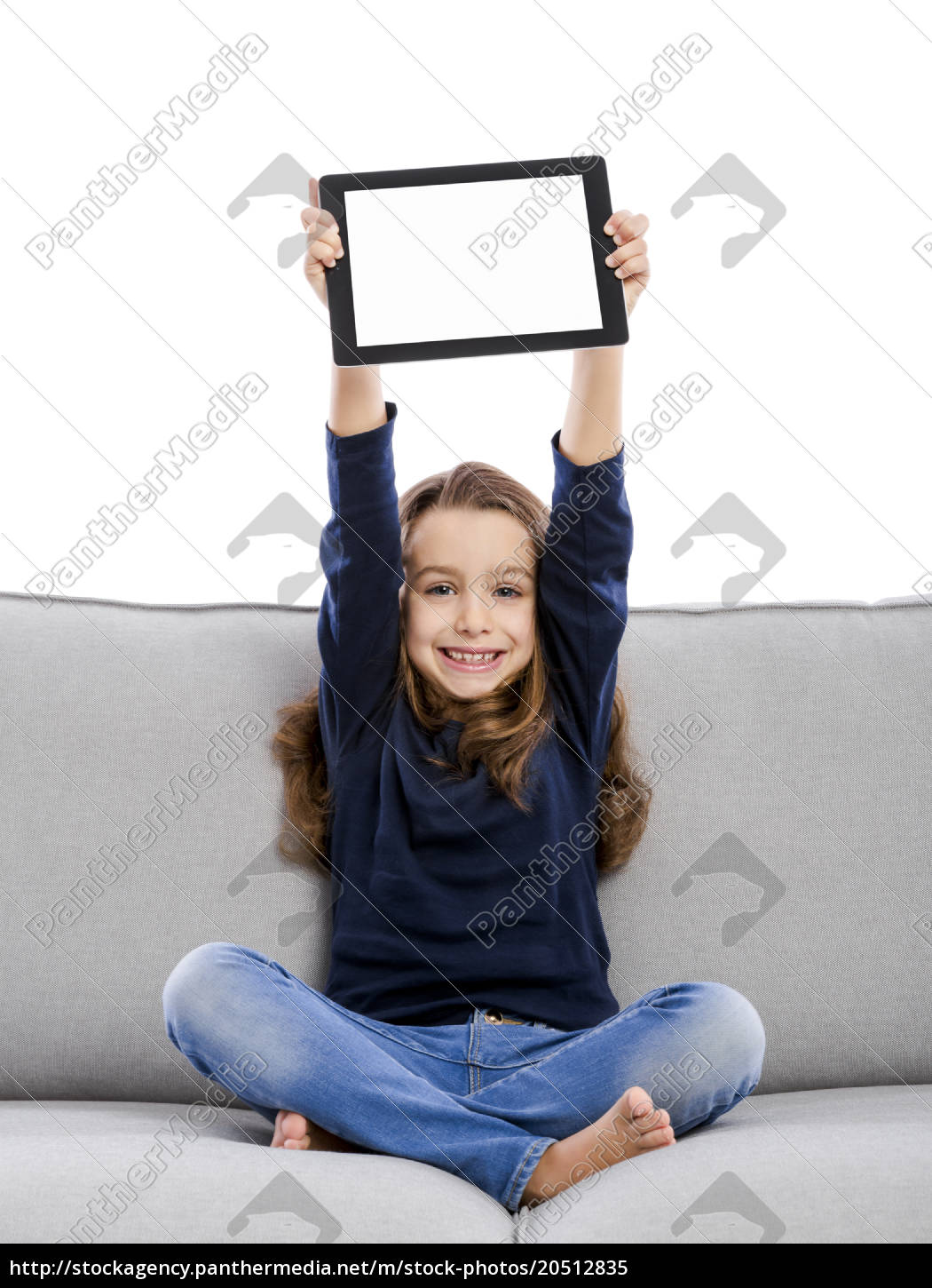 little, girl, working, with, a, laptop - 20512835