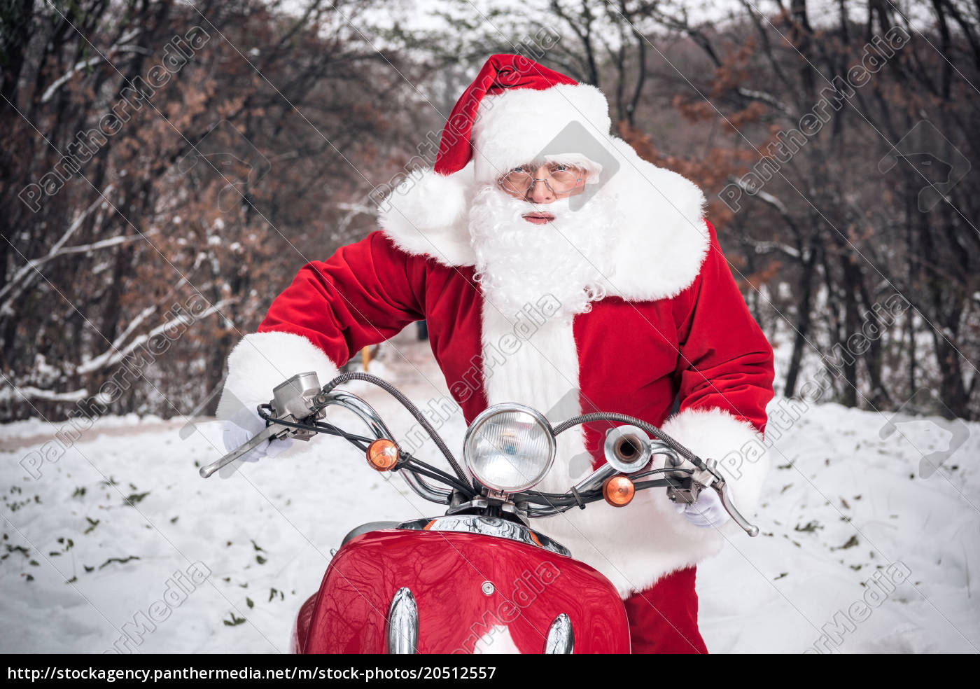 santa, claus, riding, on, scooter - 20512557
