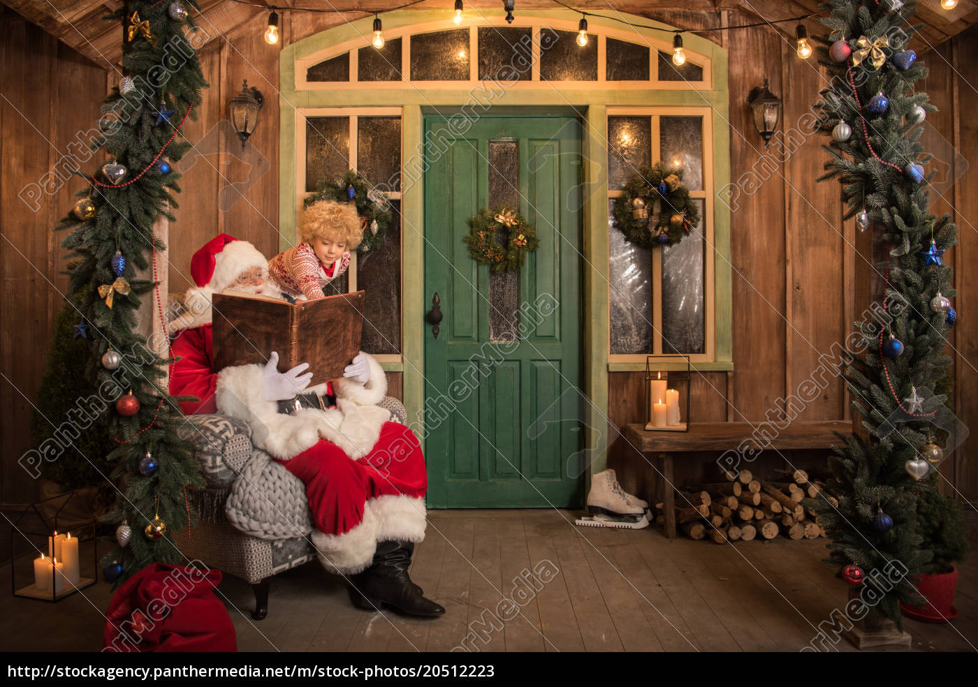 santa, claus, with, child, reading, book - 20512223