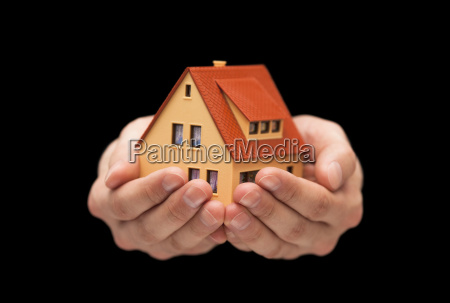small, toy, house, in, hands, on - 20512185