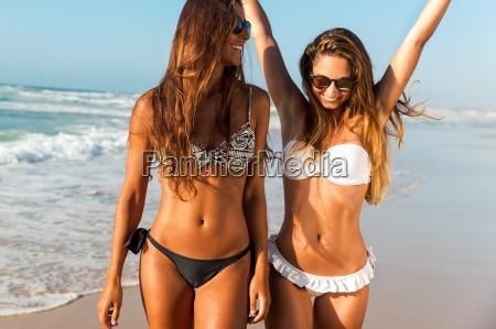 a, day, on, the, beach - 20513149