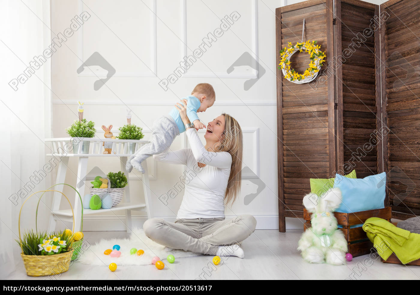 delighted, mother, and, her, child, enjoying - 20513617