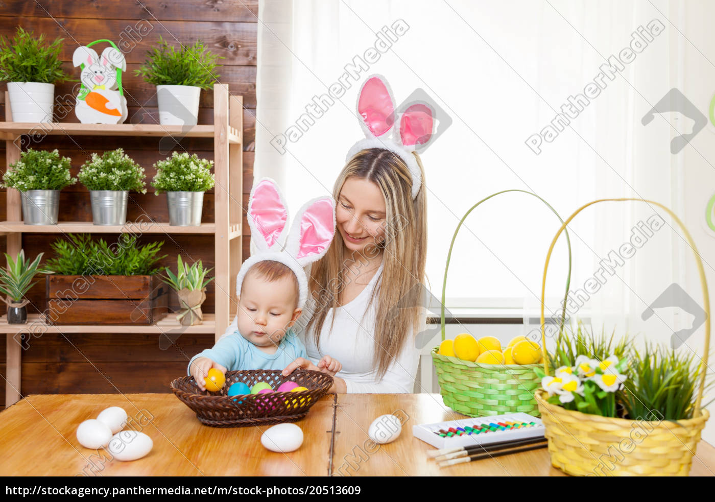 happy, mother, and, her, cute, child - 20513609