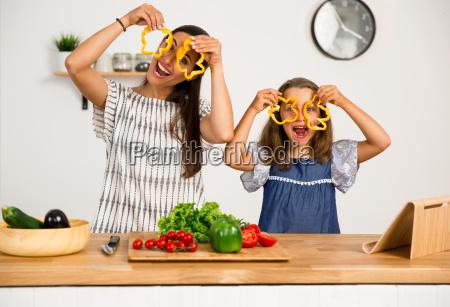 having, fun, in, the, kitchen - 20513231