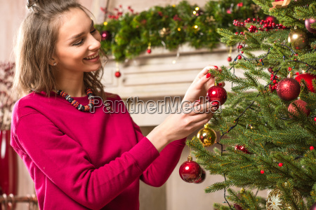 woman, decorating, christmas, tree - 20547769