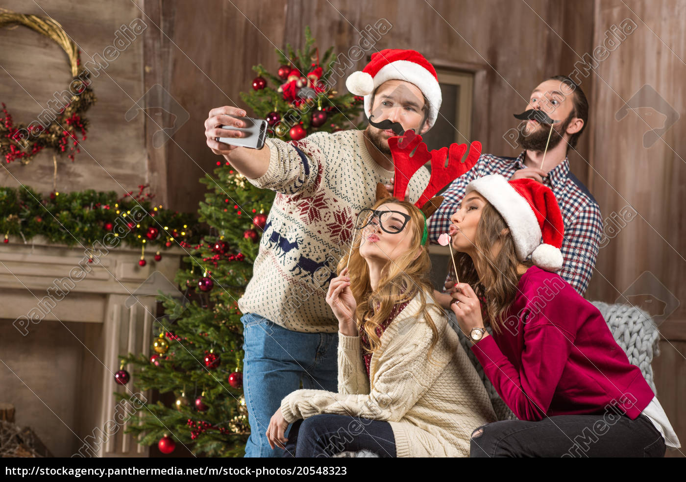 happy, people, taking, selfie, at, christmastime - 20548323