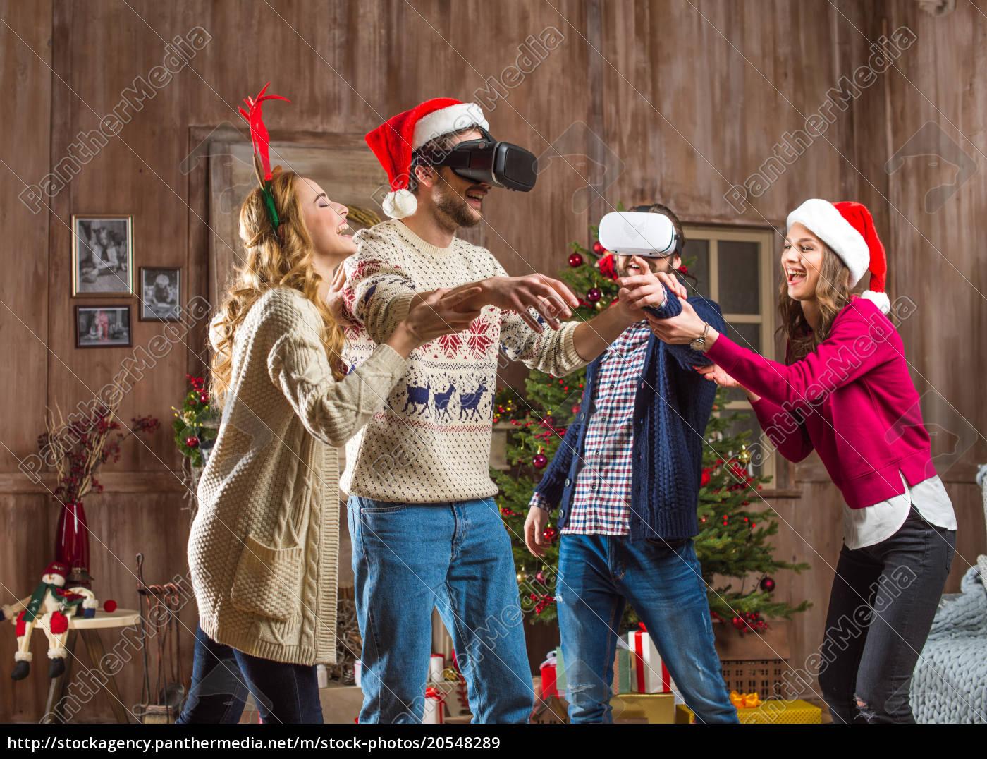 people, using, virtual, reality, headsets - 20548289
