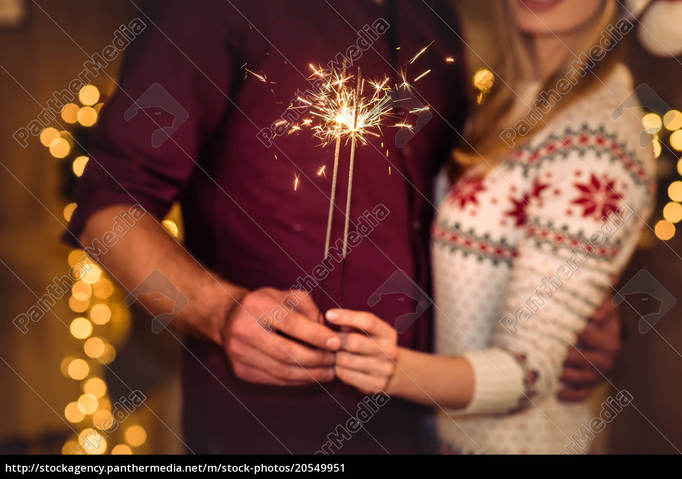 couple, holding, sparklers - 20549951